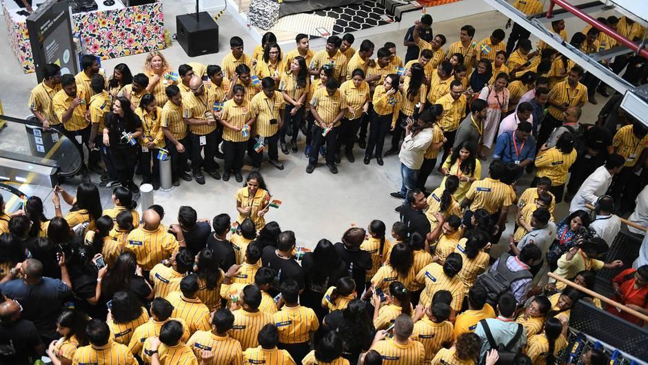 Ansturm auf Möbelhaus: IKEA eröffnet seine erste Filiale in Indien - und die ist ganz anders als in Europa