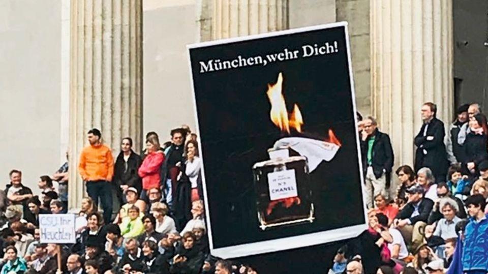 """""""#ausgehetzt-Demonstration"""""""