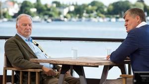 ZDF-Journalist Thomas Walde (r.) und AfD-Chef Alexander Gauland