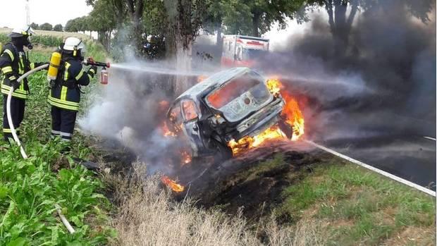 nachrichten deutschland - auto fängt feuer