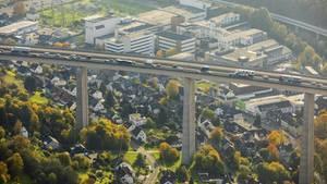Die Autobahnbrücke bei Siegen in Nordrhein-Westfalen