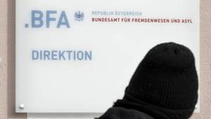 """""""Sind Homosexuelle nicht eher gesellig?"""": Behörde in Österreich spricht Asylbewerber offenbar Homosexualität ab"""