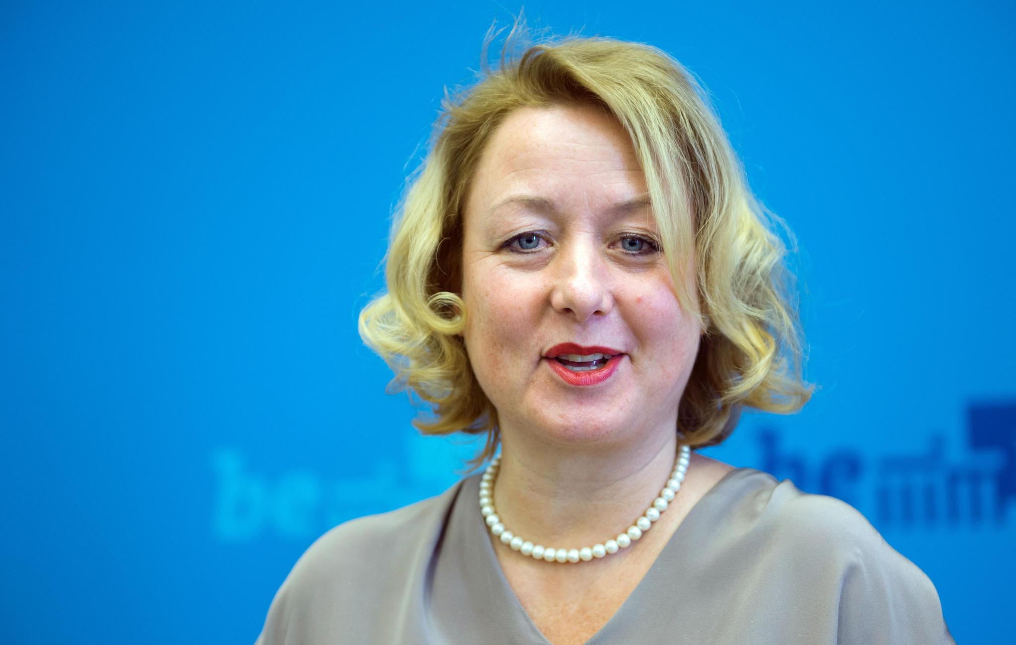 claudia snder hat die berliner senatssprecherin ihren lebenslauf gefak sternde - Lebenslauf Gefalscht
