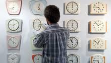 Ihre Meinung ist gefragt: Soll die Zeitumstellung abgeschafft werden?