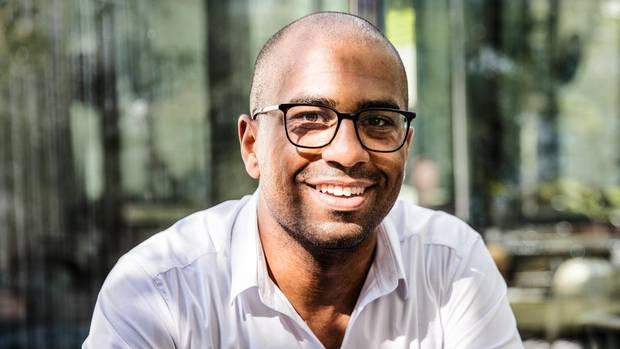 Gedankenlosigkeit und Rassismus: Gespräch mit Topmanager Richy Ugwu