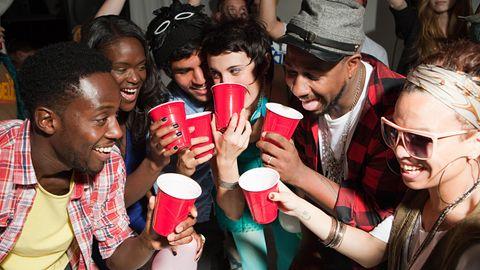 Betrunken Party feiern