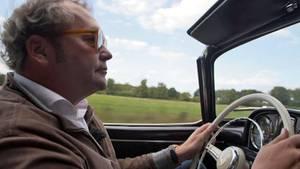 Gerne würdeThomas Rosier wieder in seinem geliebten Mercedes-Oldtimer über die Landstraße fahren.
