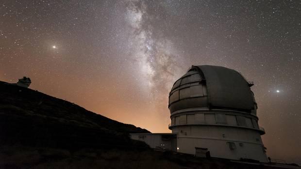 Den Sternen ganz nah: Auf dem Gipfel von La Palmas Roque de los Muchachos stehen mehrere Teleskope.