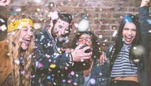 junge Leute auf einer Party