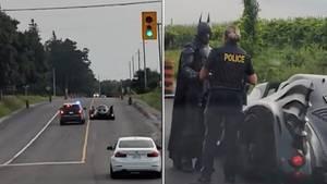 Batman wird bei einer Polizeikontrolle angehalten