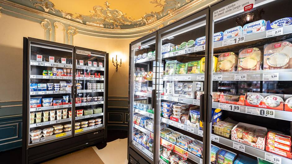 Sieht aus wie ein normaler Supermarkt, nur das Ambiente ist ungewöhnlich.