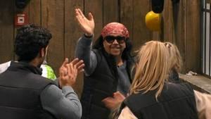 Verabschiedete sich lächelnd von den restlichen Bewohnern: Mike Shiva