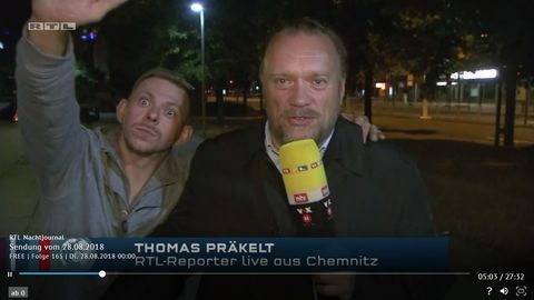 Hitlergruß im Live-TV? Männer sprengen RTL-Berichterstattung