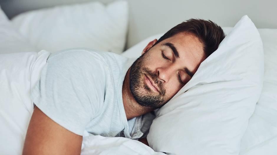 Einfach erklärt: Darum haben wir beim Aufstehen Schlafsand im Auge