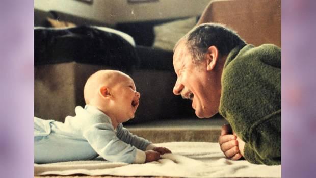 Daniel Völz als Baby mit seinem Opa Wolfgang