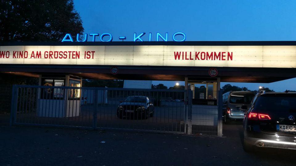 Der Eingang des Autokinos Drive In in Köln Porz