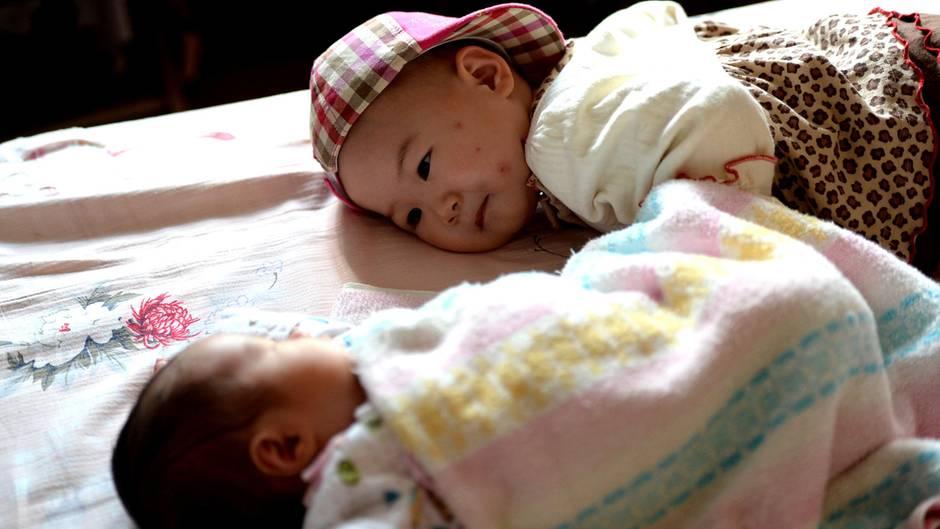 Geschwisterpaar in China