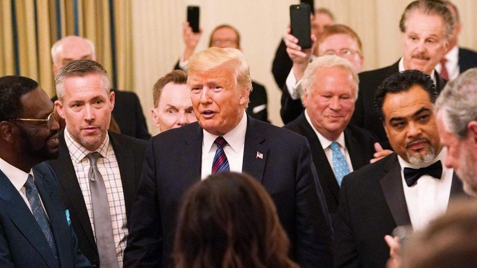 Donald Trump mit evangelikalen Führern im Weißen Haus