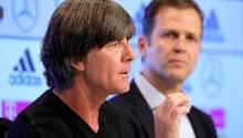 Joachim Löw Oliver Bierhoff auf PK