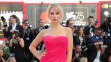 Barbie lässt grüßen: Lottie Moss, jüngere Halbschwester von Model Kate Moss, in einem pinken Tüllkleid