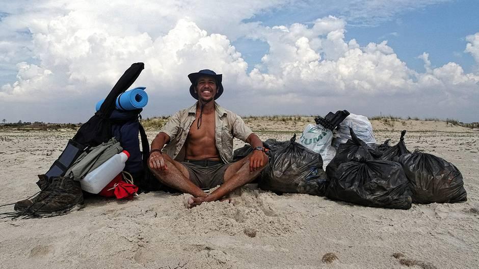 Umweltschutz: Mann läuft 300 Kilometer – und sammelt an jedem Strand auf seiner Reise Müll ein
