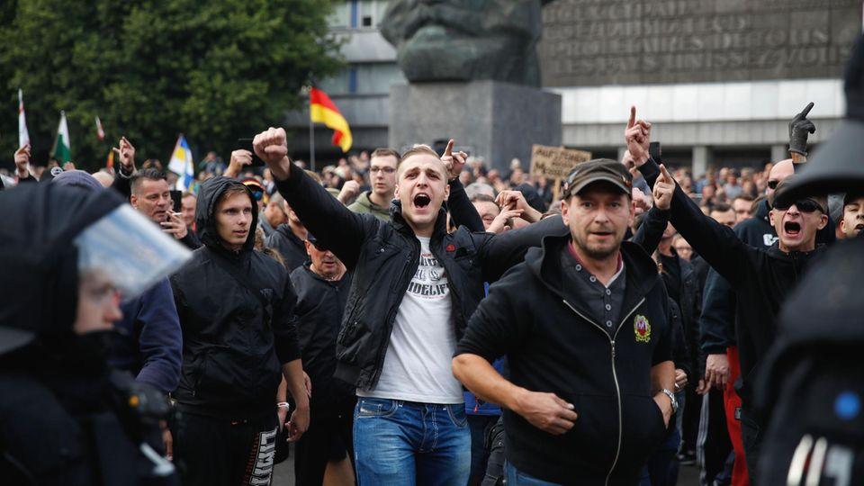 """""""Trauermarsch"""" am vergangenen Montag in Chemnitz: Am Samstag will hier die AfD zusammen mit Pegida mitmarschieren"""