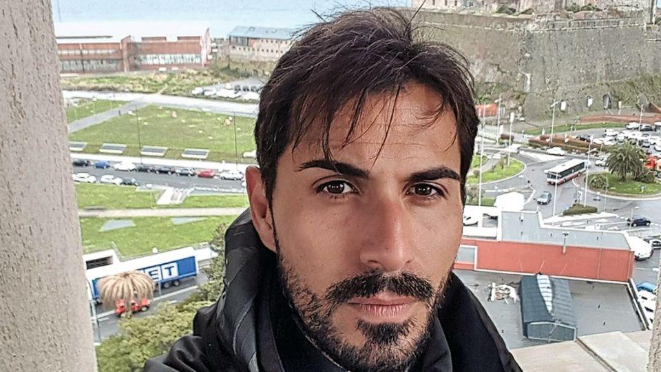 40 Meter fiel Davide Capello in seinem Auto in die Tiefe. Und hatte großes Glück: Er überlebte fast unverletzt