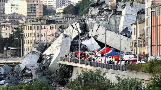 Tagelang suchen die Retter in den Trümmern nach Überlebenden. Und Toten