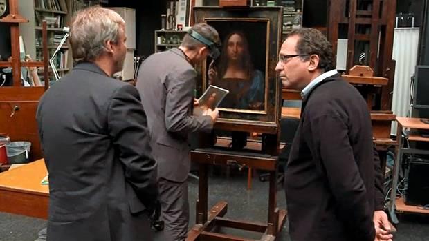 Experten-Konklave: In der National Gallery in London begutachtete ein kleiner Kreis das mögliche Meisterwerk (rechts: Robert Simon)