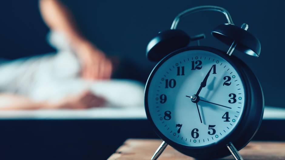 """Twitter-Reaktionen: Zeitumstellung abschaffen? """"Die können uns doch nicht dauerhaft eine Stunde Schlaf wegnehmen"""""""