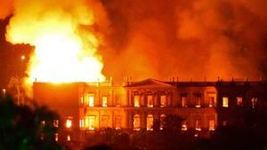 Rio de Janeiro: Nationalmuseum brennt nieder: 20 Millionen Exponate zerstört