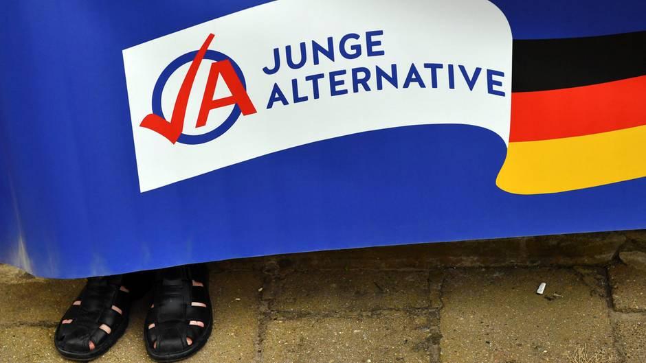 """Die AfD-Nachwuchsorganisation """"Junge Alternative"""" will ihre Landesverbände in Bremen und Niedersachsen auflösen"""