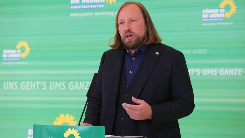 #wirsindmehr: Hofreiter erklärt, warum er am Konzert in Chemnitz teilnimmt