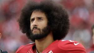 Der frühere Football-Quarterback Colin Kaepernick, der vor gut zwei Jahren die Nationalhymnen-Proteste im US-Sport ausgelöst hatte, ist Teil der neuesten «Just Do It»-Werbekampagne des amerikanischen Sportartikelherstellers Nike.