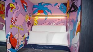 """Ein Bett so breit wie das Zimmer: im Kapselhotel""""Millennials Shibuya""""."""