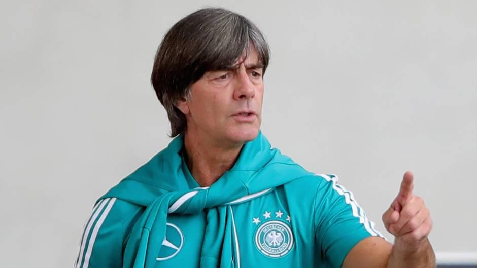 """Joachim Löw über Mesut Özil: """"Die Tür selbst zugemacht"""""""