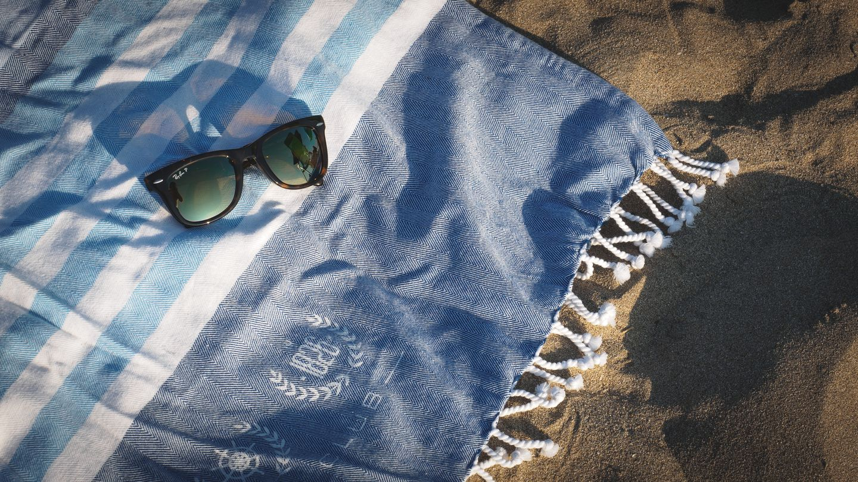 10. Sonnenbrille:Wer der Wahrheit ins Auge schaut, sollte vorher die Sonnenbrille absetzen  Sonnenbrillen sind das zeitlose Accessoire eines jeden Sommers und zugleich das am häufigsten vergessene Modeutensil in Hotels. Vielleicht vergessen manche Urlauber ihr Exemplar aber auch nur, um eine gute Ausrede für den Kauf einer neuen Brille zu haben.