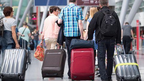 Passagiere am Flughafen Düsseldorf