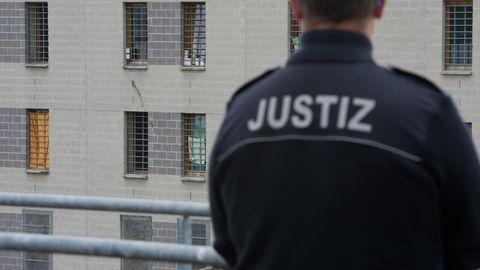 : Haftbefehl von Chemnitz veröffentlicht: ein Justizbeamter in der JVA Dresden