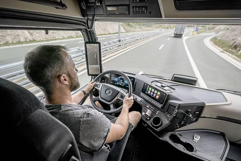 Der Arbeitsplatz des Fahrers wird digitalisiert