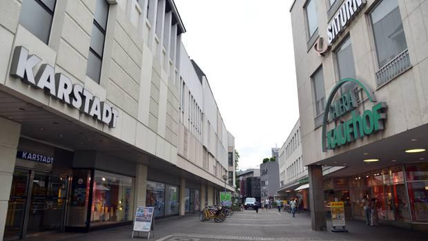 Filialen von Karstadt und Kaufhof