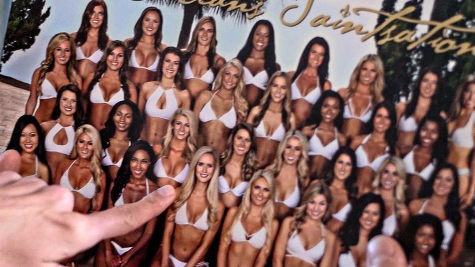 So freizügig sollen sich die Mädchen zeigen im Dienste der NFL, auch Bailey Davis