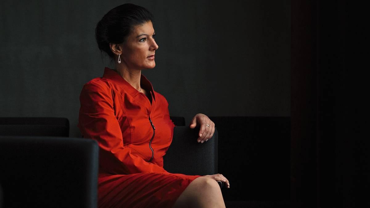 Sahra Wagenknecht Body