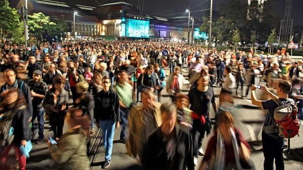 Eine Menschenmasse in Leipzig