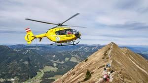 Österreich Alpenwanderung Bergrettung