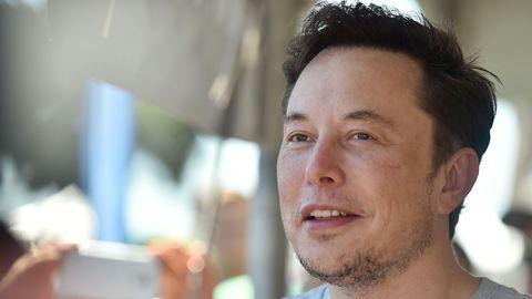 Elon Musk kifft