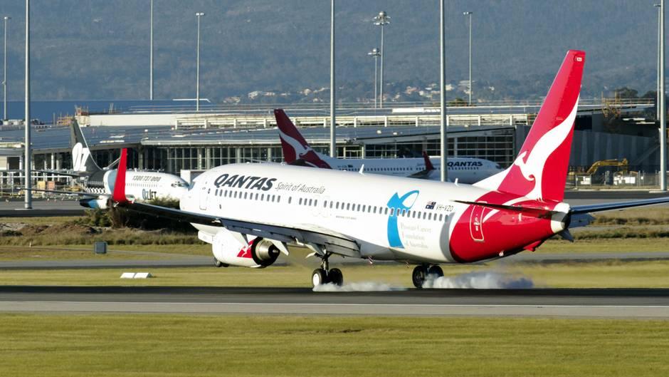 Ein Qantas-Flieger am Flughafen Perth, Australien (Symbolbild)