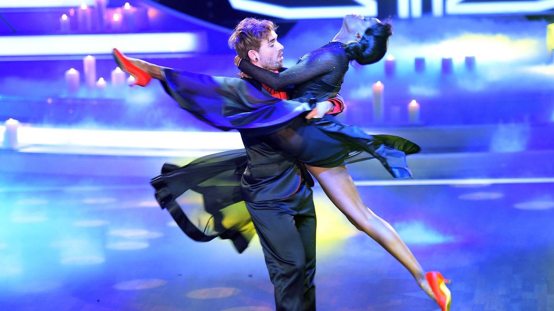 """Im Sommer 2015 kam er noch einmal auf die ganz große Bühne zurück: Küblböck nahm als Kandidat an der achten Staffel der RTL-Show """"Let's Dance"""" teil."""