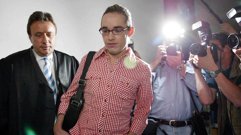Daniel Küblböck am 23. Juni 2004 auf den Weg in den Gerichtssal im Amtsgericht Eggenfelden.