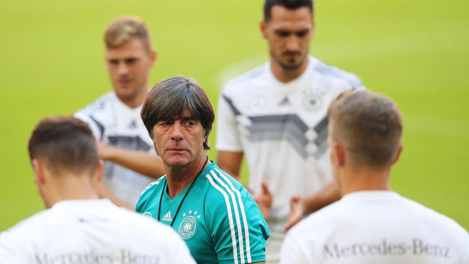 Joachim Löw beim Training der DFB-Elf